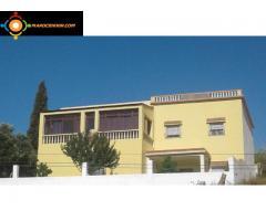 Villa  sur  2  niveaux  Titrée     564m²