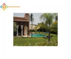 villa 4 chambres avec piscine sans vis a vis