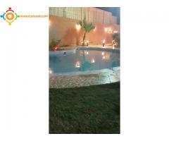 Villa neuve avec petite piscine construction moderne