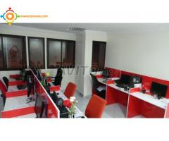 Location de positions et bureaux pour centre d'appel bien équipées