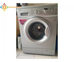 machine à laver  LG 6KG  Réf :F12B8NDL5