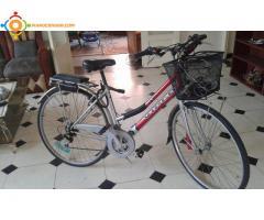 A vendre très belle bicyclette au prix de 2000 dhs gsm 0617016696