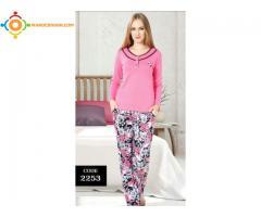 Différents modèles de pyjama