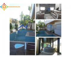 Villa de haut gamme A VENDRE bien située à Skhirat