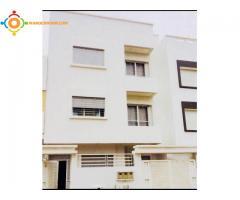 Villa à trois appartements