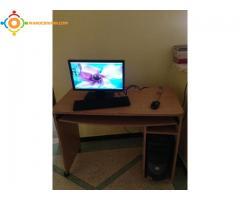 PC Bureau DELL avec sa table