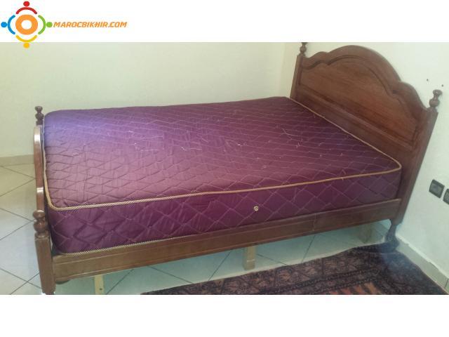 lit avec matelas el jadida bikhir annonce bon coin maroc. Black Bedroom Furniture Sets. Home Design Ideas