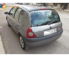 clio essence toutes options 2004