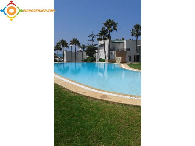 Villa meubl de 200m dans une r sidence avec piscine for Construction piscine rabat