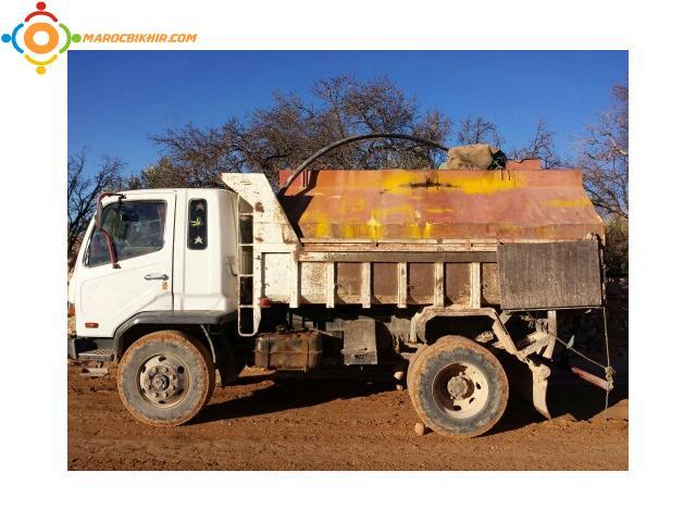 location camion benne avec citerne d 39 eau bikhir annonce bon coin maroc. Black Bedroom Furniture Sets. Home Design Ideas