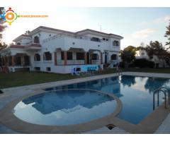 Villa de 1300 m² en location à Souissi-Bir Kacem