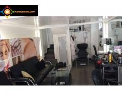 SALON DE COIFFURE SOUS LOCATION