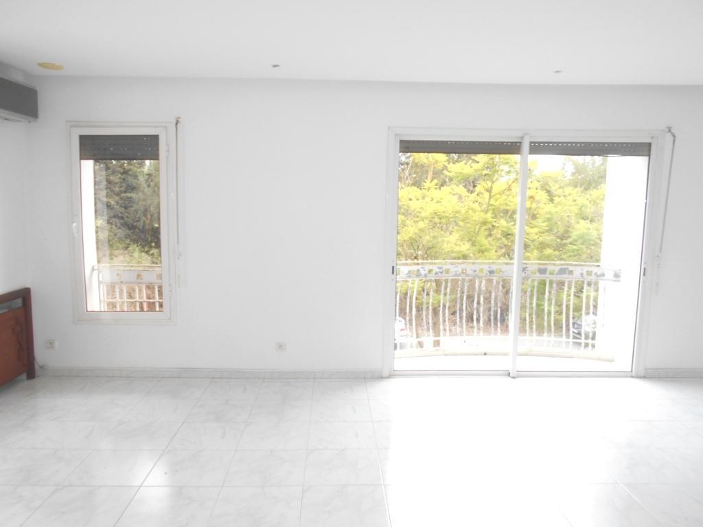 Grand appartement en location à rabat hay riad